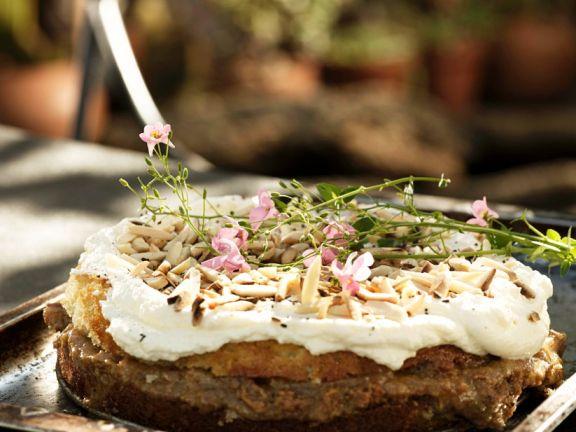 Dattelkuchen mit Mandeln aus Nordafrika