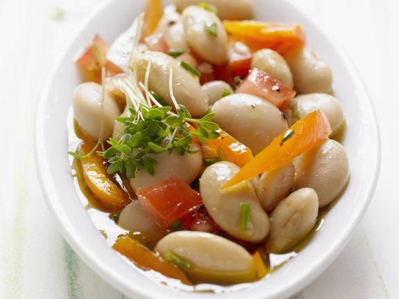 Dicke Bohnensalat mit Paprika, Tomaten und Kresse
