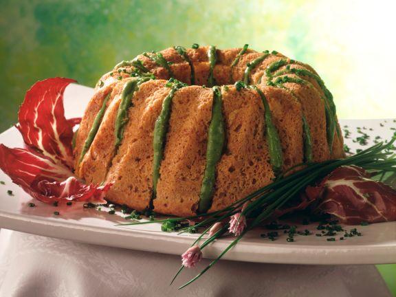 Dinkelnapfkuchen mit Avocadocremefüllung