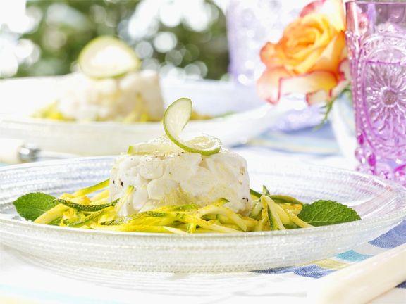 Doradentatar auf Zucchinisalat
