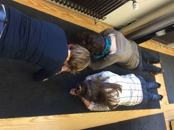 Janike, Jessica und Lina von EAT SMARTER bei der Plank Challenge