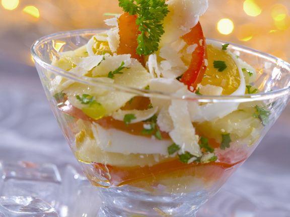 Eier-Kartoffel-Salat mit Paprika und Parmesan