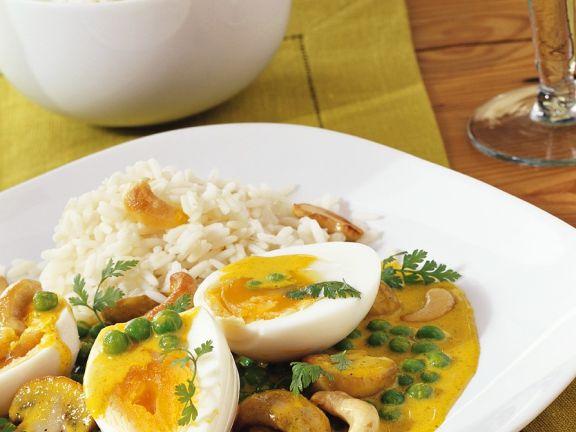Eier mit Currysauce