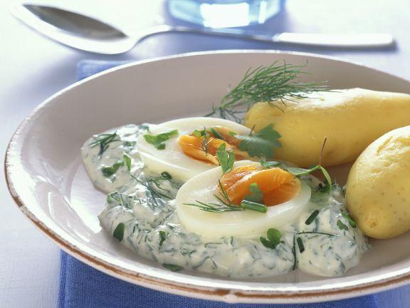 Eier mit Kräutersauce