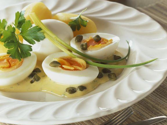 Eier mit Senf-Sahnesoße