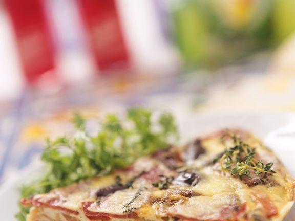 Ein Stück Gemüse-Kräuter-Frittata