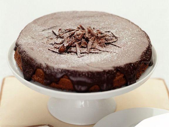 Einfacher Schokoladenkuchen für die Springform