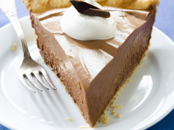 Einfacher Schokoladenkuchen mit Zartbitter-Sahne-Creme