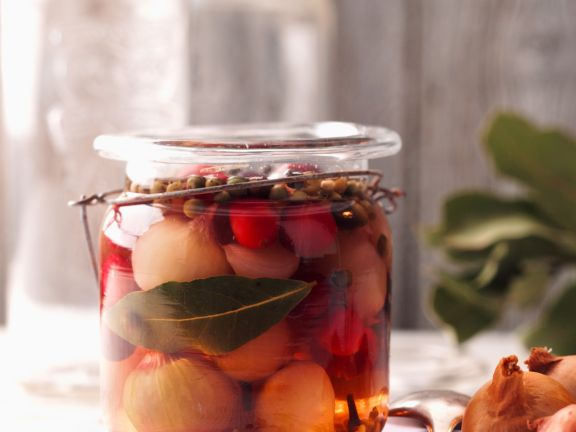 Eingelegte Perlzwiebeln mit Cranberries