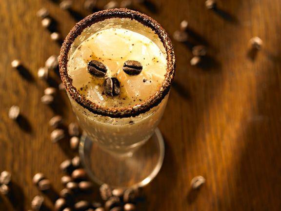Eiskaffee mit Eierpunsch