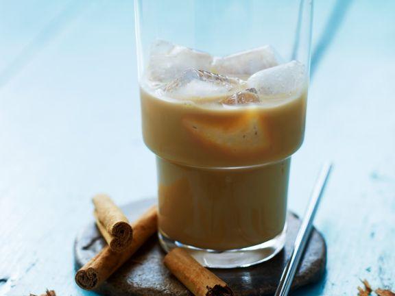 Eiskaffee mit Zimt