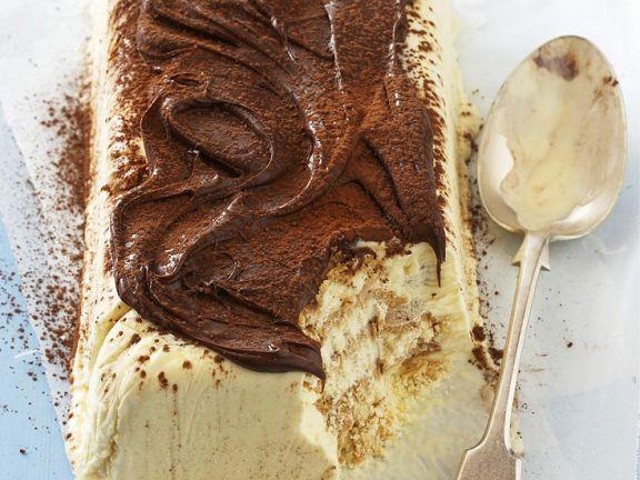 Eiskuchen mit Frischkäse und Kaffee