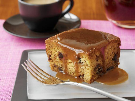Englischer Dattelpudding mit Karamellsoße