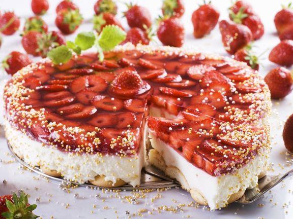 Erdbeer-Frischkäse-Torte mit Keksboden