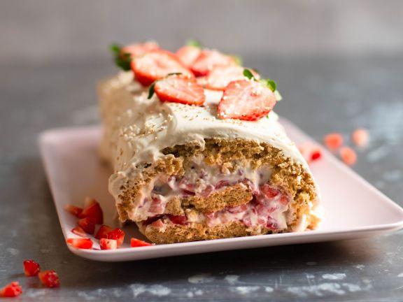 Erdbeer-Müsli-Biskuitrolle