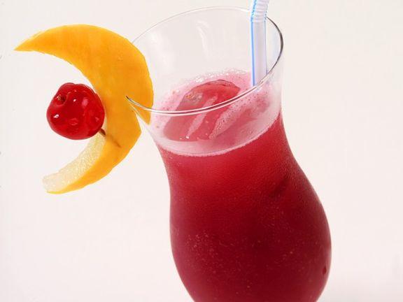 Erdbeer-Rum-Cocktail Rezept | EAT SMARTER