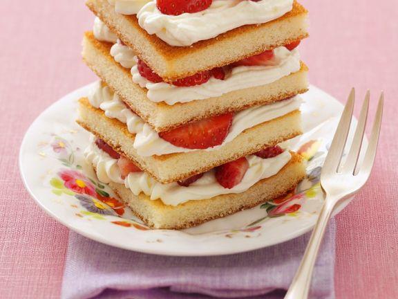 Erdbeer-Sahne-Türmchen