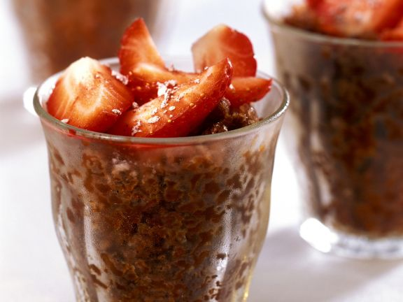 Espresso-Granita mit Erdbeeren