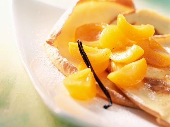 Essig-Aprikosen mit Pfannkuchen