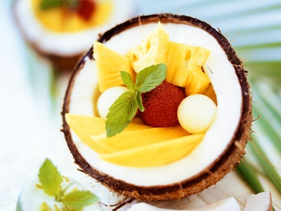 Exotischer Obstsalat mit Kokos