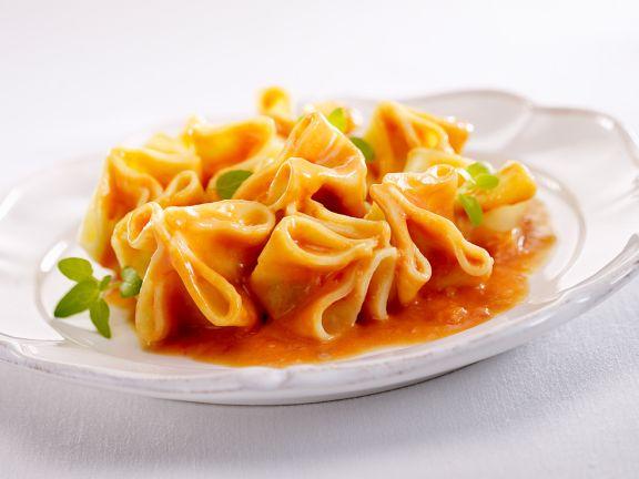 Fagottini mit Ricotta und Tomate