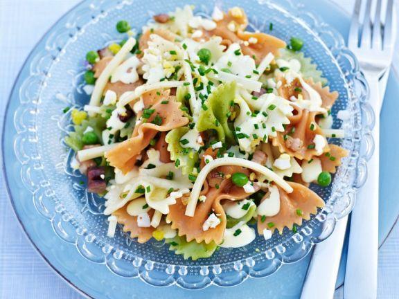 Farfalle-Salat mit Speck