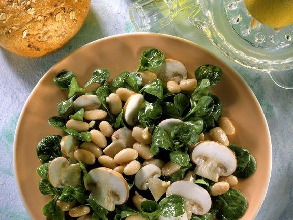 Feldsalat mit Bohnen und Champignons