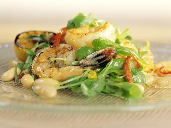 Feldsalat mit Garnelen