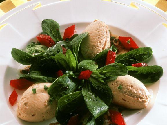 Feldsalat mit Putenlebermousse