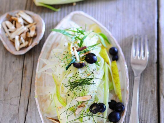 Fenchel-Birnen-Salat mit Oliven und Mandeln