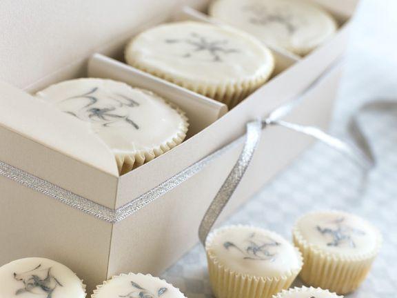 Festliche weiße Muffins