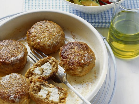 Feta-Buletten mit Grillgemüsesalat