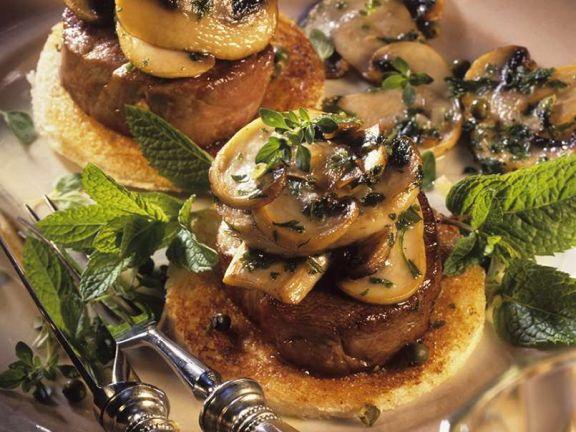 Filet-Toast mit Champignons und Kräutern