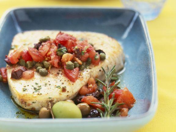 Filet vom Schwertfisch mit Kapern-Tomaten-Salsa