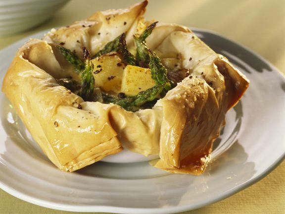 Filo-Quiche mit grünem Spargel und Kartoffeln