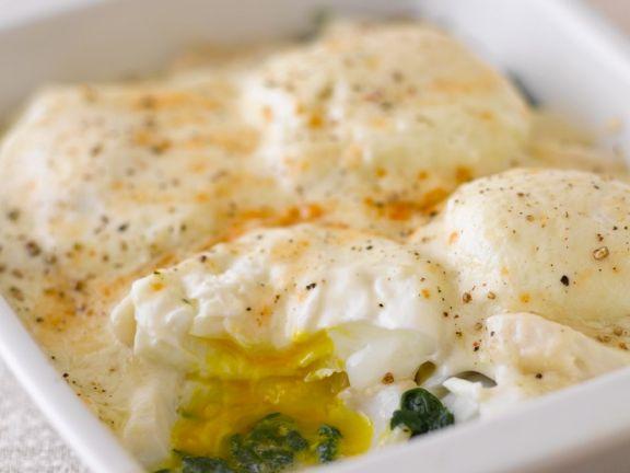 Fisch mit Spinat und Ei überbacken