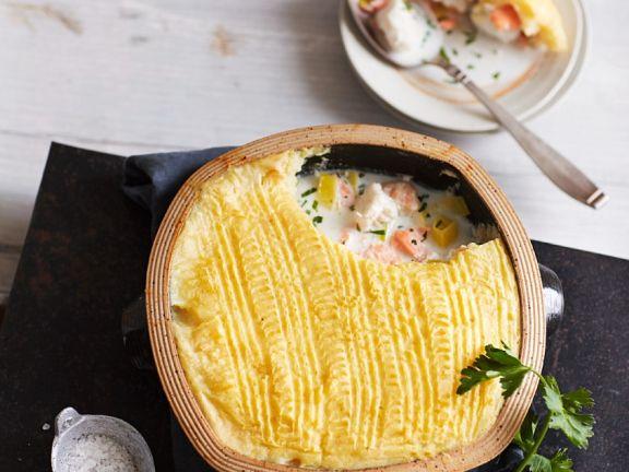 Fisch-Pie unter der Kartoffelhaube