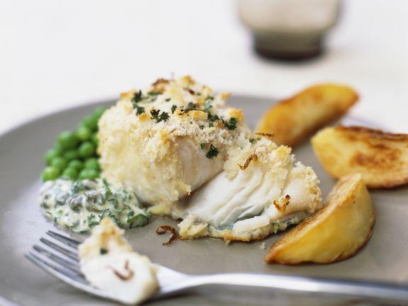 Fischfilet mit Krümmelkruste und gebackenen Kartoffeln