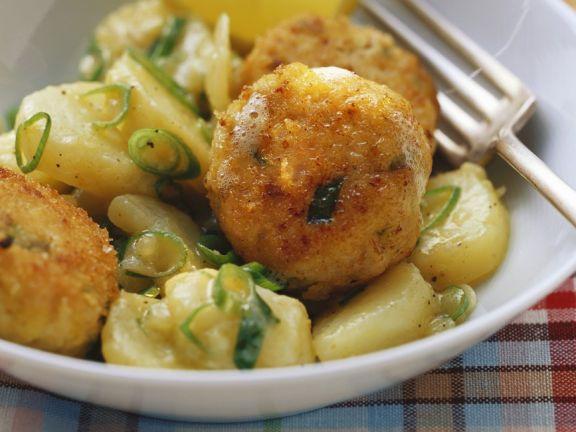 Fischklößchen mit Kartoffelgemüse
