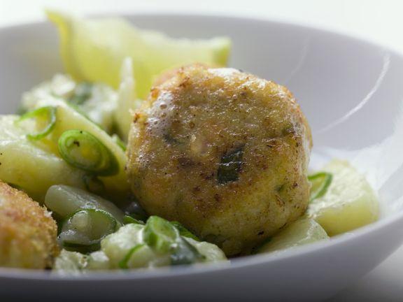 Fischpflanzerl mit Porree-Kartoffel-Gemüse