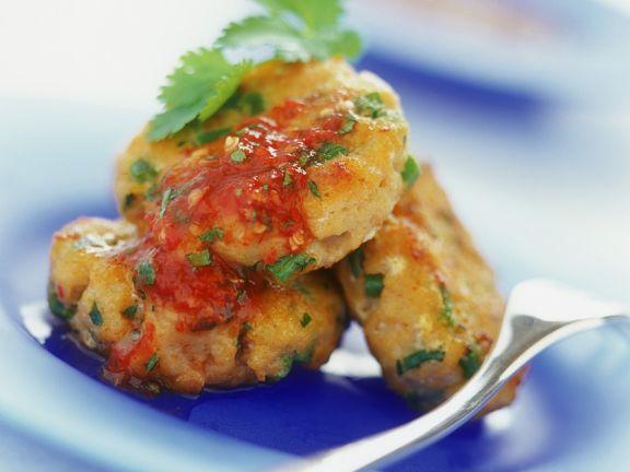 Fischpuffer mit Chilisauce