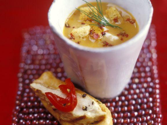 Fischsuppe mit Brot und zitronigem Hähnchen