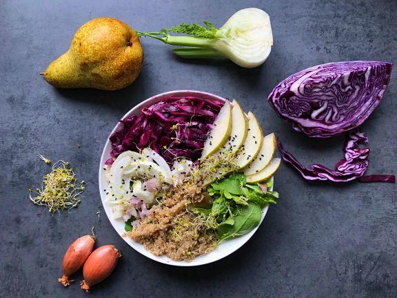 Rotkohl-Quinoa Salat mit Birne