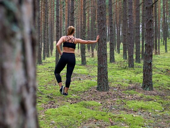 Workout im Wald
