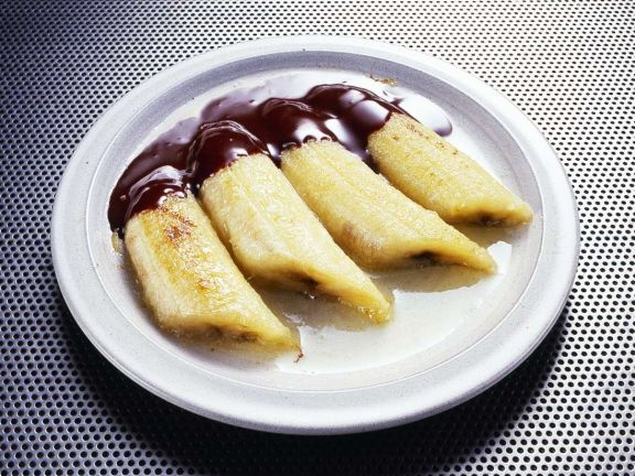 Flambierte Bananen mit Schokosauce