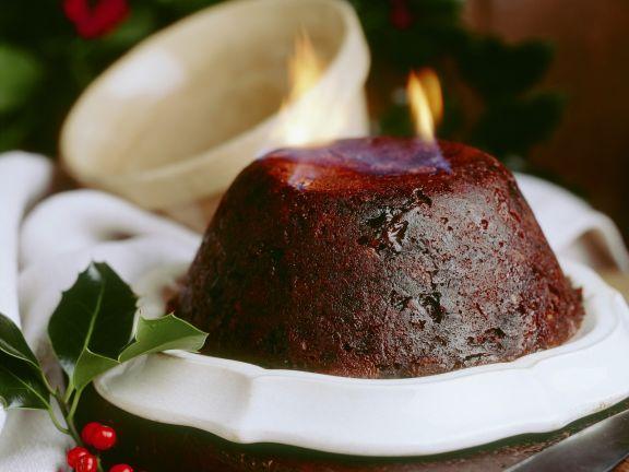 Flambierter Weihnachtspudding nach englischer Art