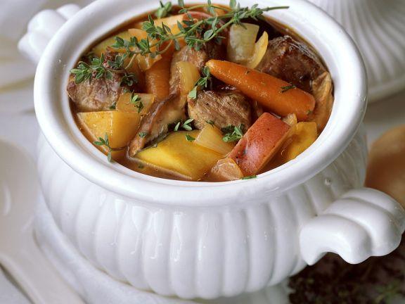Fleischeintopf mit Süßkartoffeln