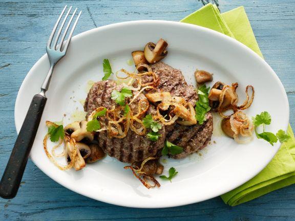 Fleischpflanzerl vom Grill mir Pilzen