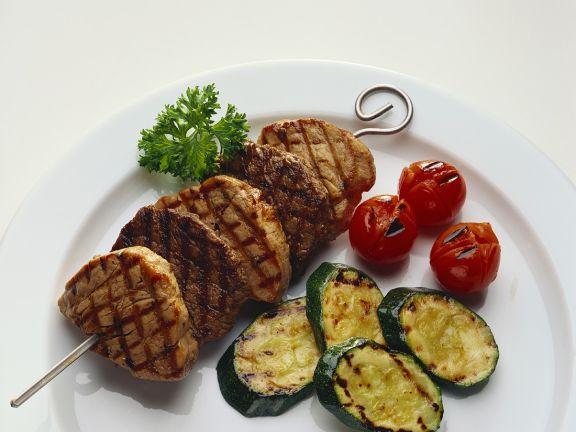 Fleischspieße mit Gemüse vom Grill