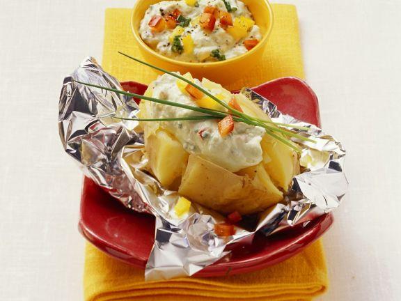 Folienkartoffel mit Joghurtsauce